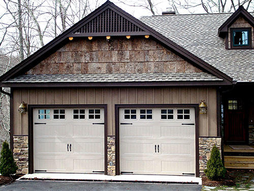 Charming The Emergency Solutions Of Garage Door Repair Hoffman Estates Are Delivered  By The Companyu0027s Skilled Experts In No Time. The Contractor Covers All Door  And ...